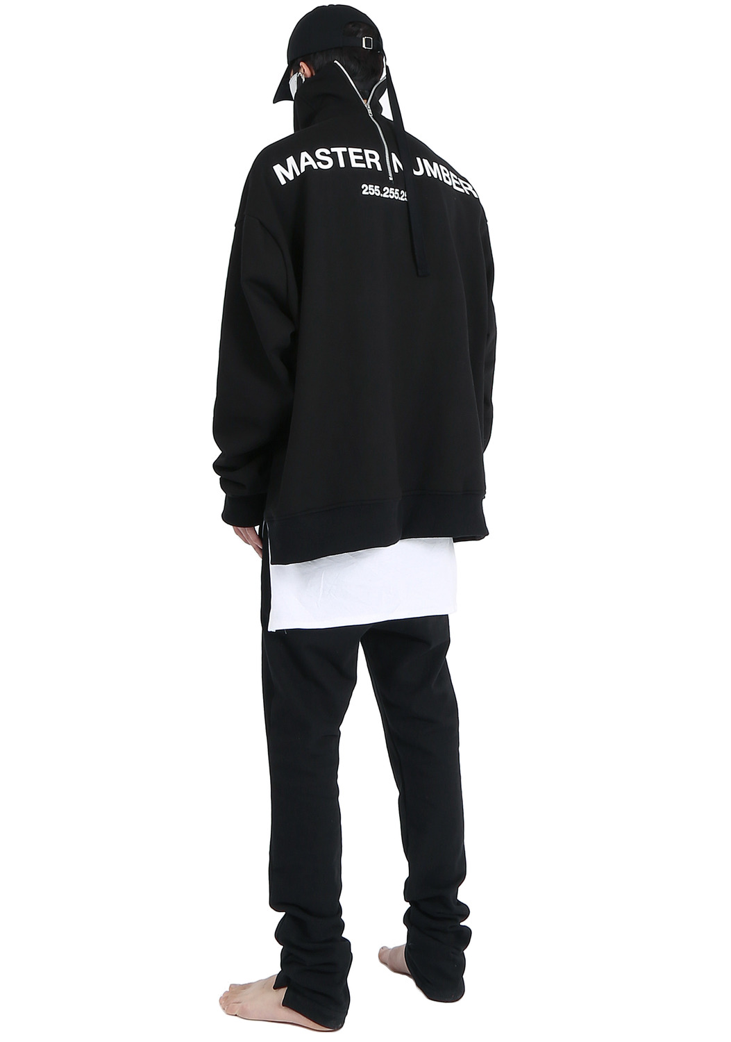 MASTER NUMBER HIGH NECK BACK ZIPPER SWEAT SHIRTS