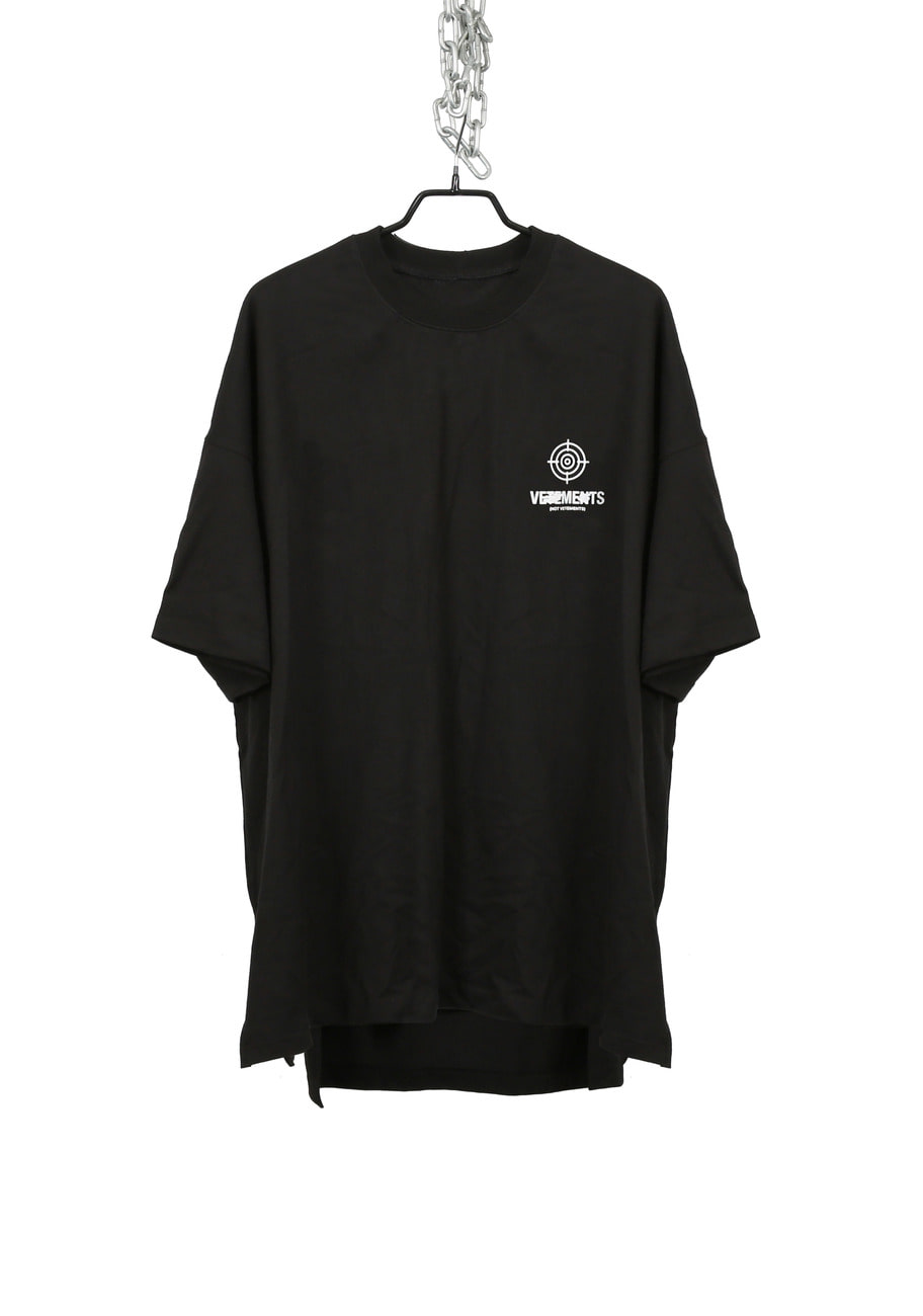 FAKE BACK SLIT T-SHIRTS SET (VET***NTS)